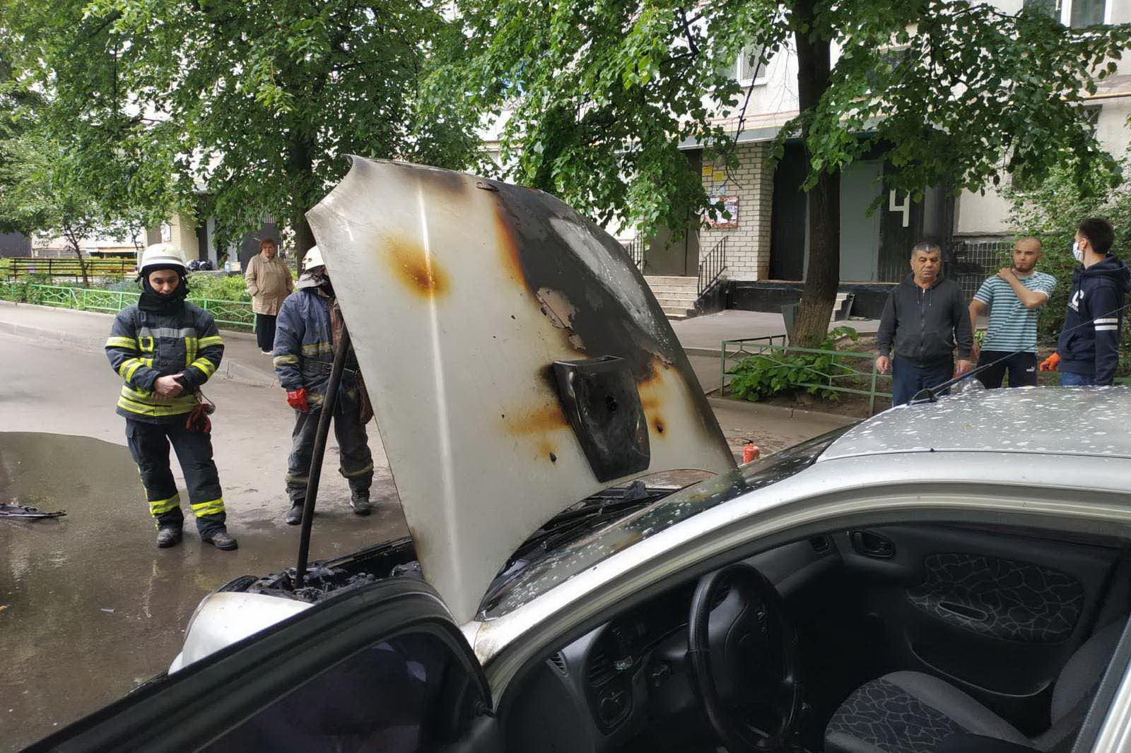 Автомобильные пожары на Салтовском шоссе уже входят в привычку