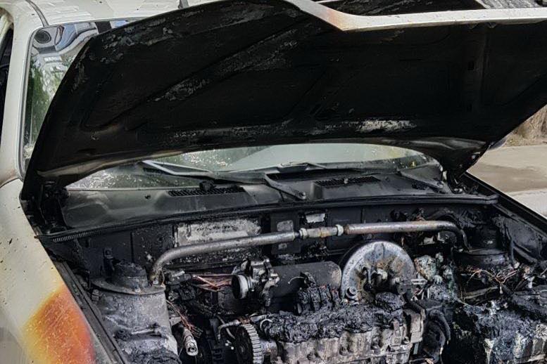 После выборов к горящим автомобилям кандидатов под Харьковом добавились и платежки