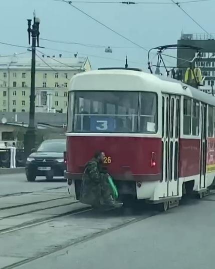 Отстаивание бесплатного проезда в харьковском транспорте доходит до жестких форм