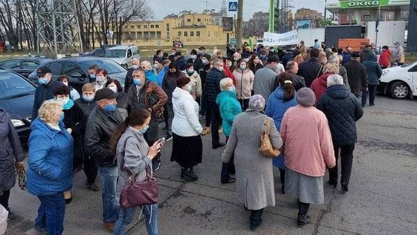 Белгородское шоссе перекрыли с требованиями дать работу и выплатить зарплату ХАЗ