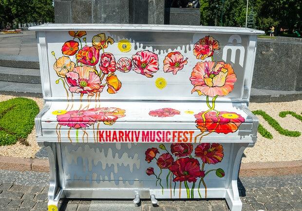 Большинство опрошенных не верят, что арт-пианино долго простоят по Харькову